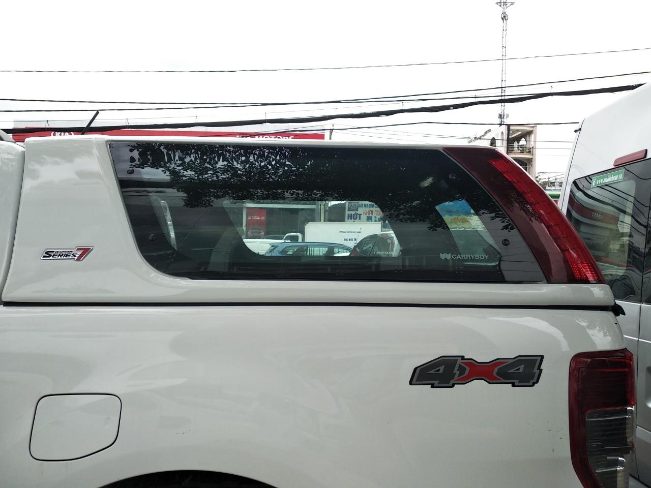 Phụ kiện Nắp thùng Ford Ranger nhập khẩu thái lan chính hãng 32