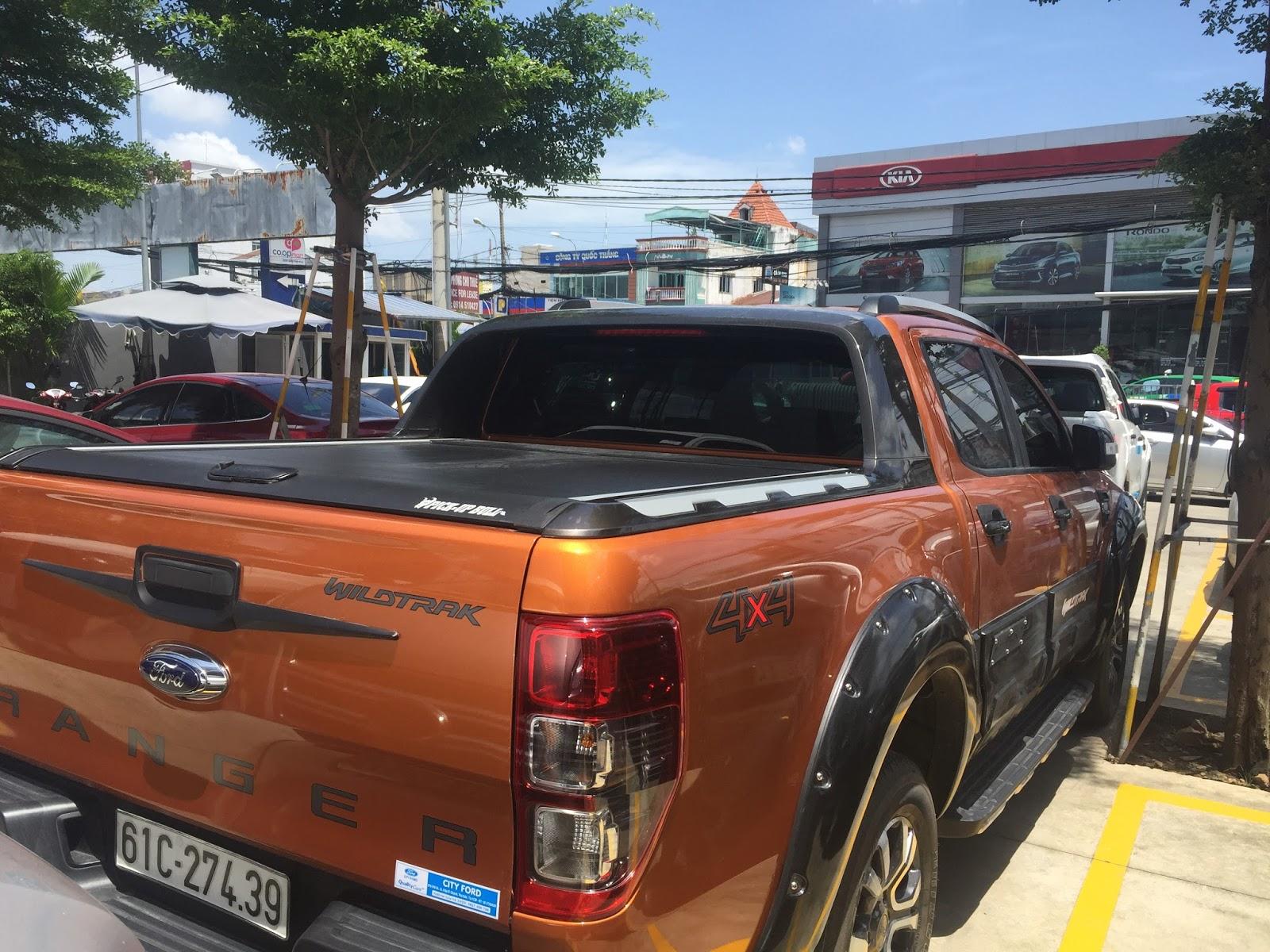 Phụ kiện Nắp thùng Ford Ranger nhập khẩu thái lan chính hãng 41