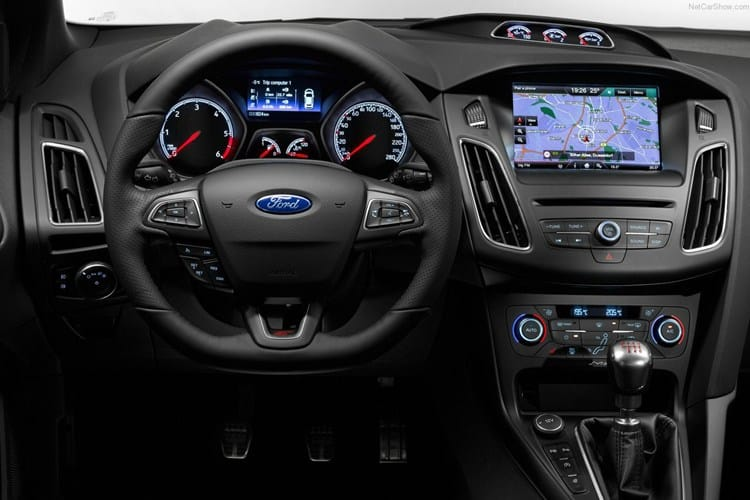 Xe Ford Focus 2015 29
