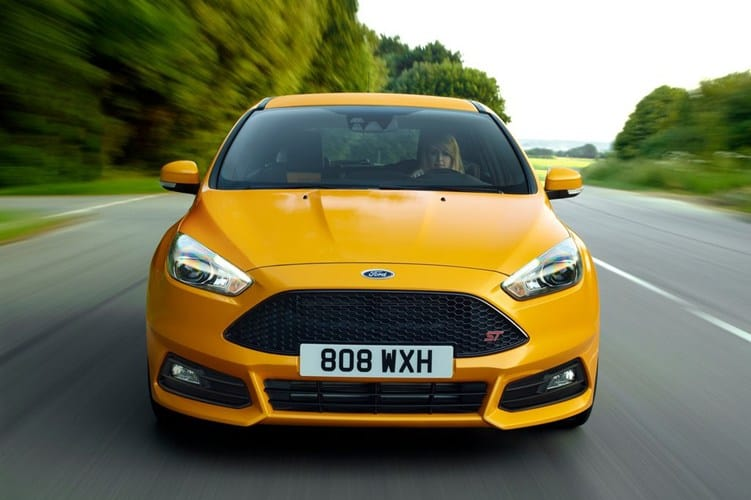 Xe Ford Focus 2015 23