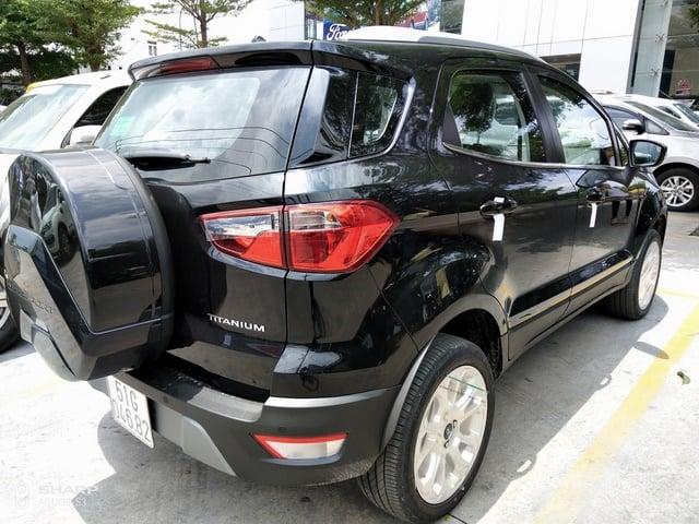 xe ford ecosport mau den 1