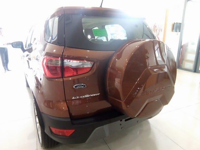 xe ford ecosport mau do dong do sao hoa 2