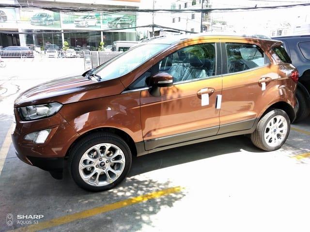 xe ford ecosport mau do dong do sao hoa 3