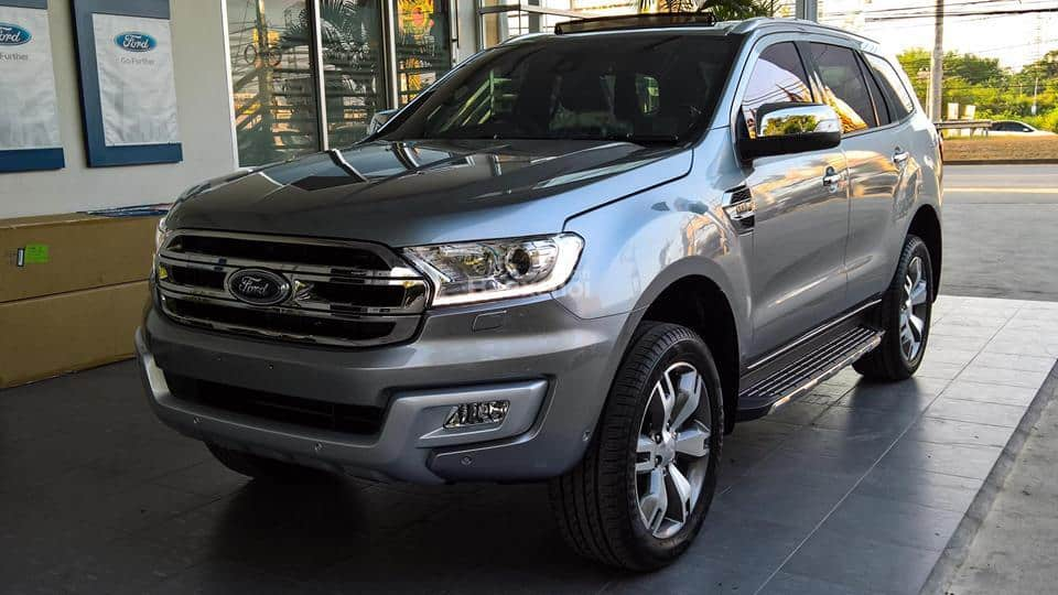 xe ford everest 2017 mau bac
