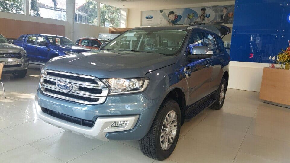 xe ford everest mau xanh thien thanh