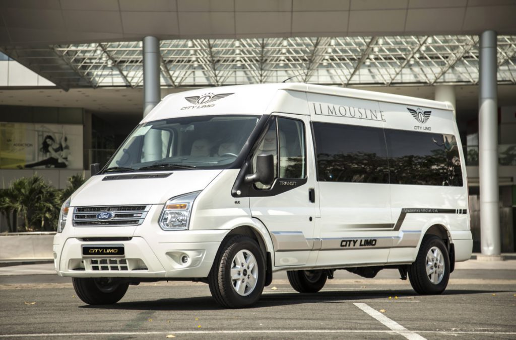 xe ford 10 cho transit limouusine