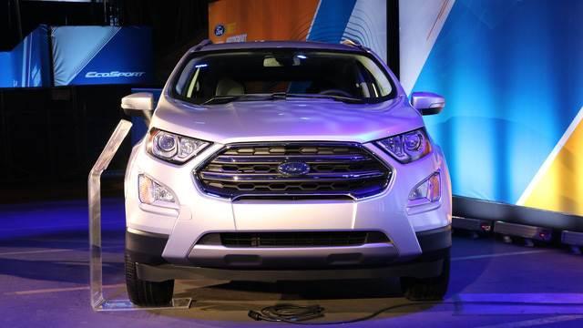xe ford ecosport 2018 mau bac