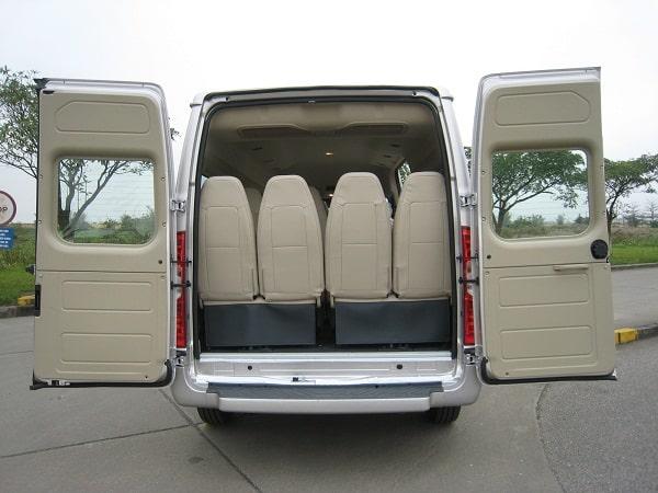 Xe Ford 16 chỗ Transit Luxury 23