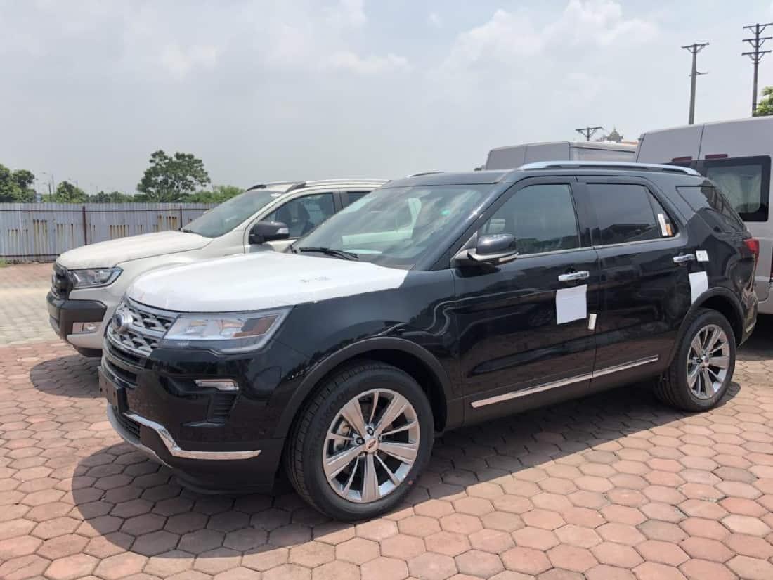 xe ford explorer 2019 mau den