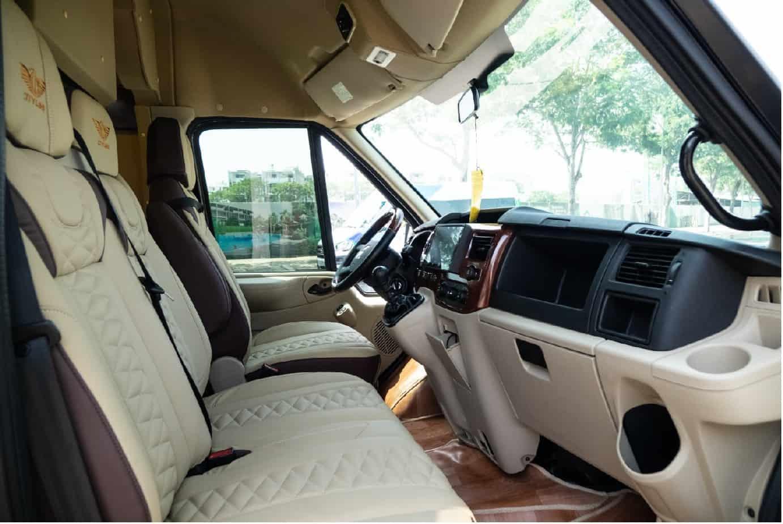 Xe Ford Transit 10 chỗ City Limousine cao cấp kèm giá bán hấp dẫn 35