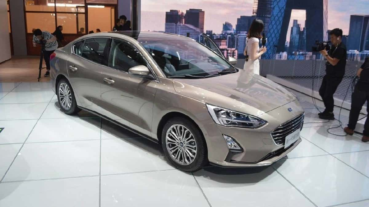 Xe Ford Focus 2019 mới 10