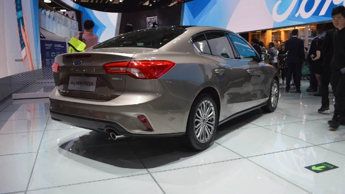 Xe Ford Focus 2019 mới 9