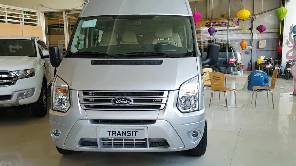 Xe Ford Transit 2019 8