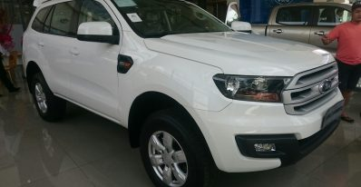Ford Everest số sàn Ambiente 2019 6
