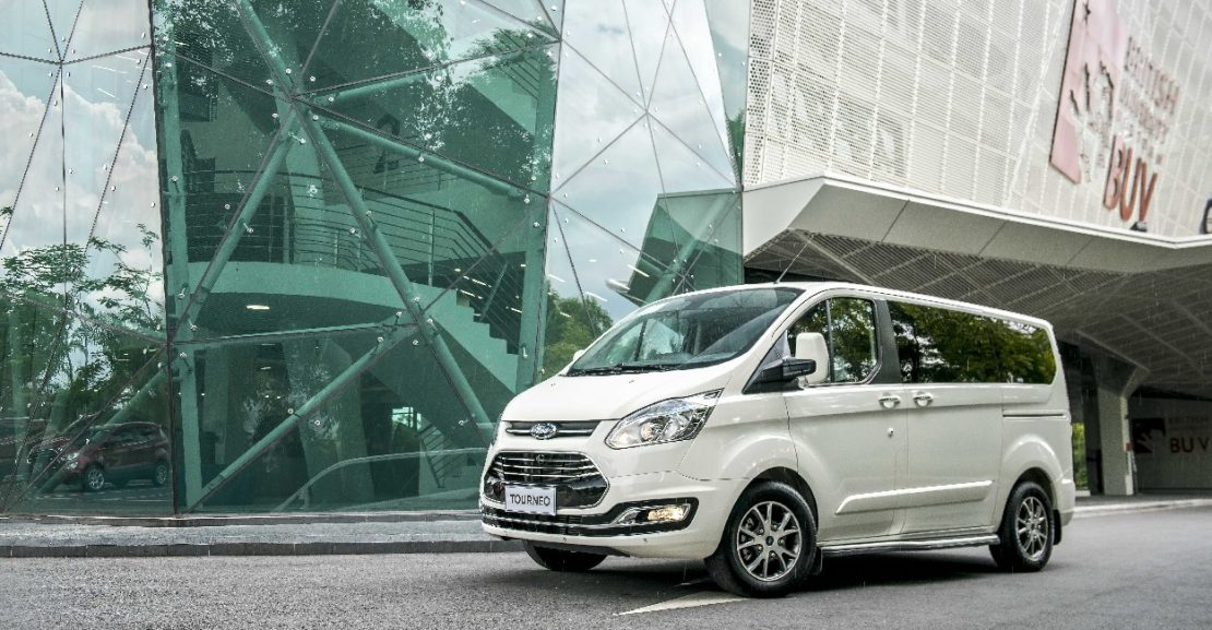 Xe Ford Tourneo 2019 27
