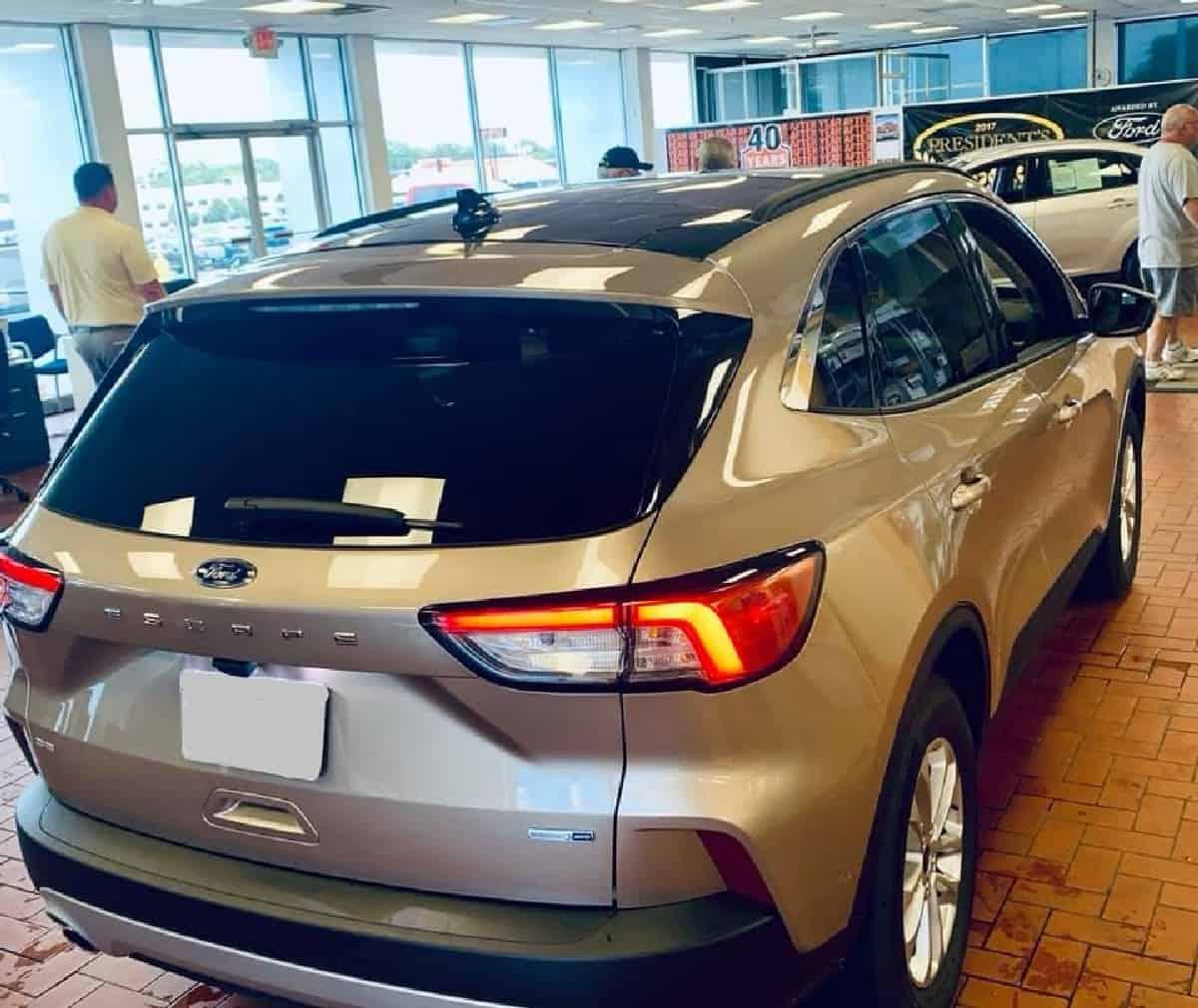 Xe Ford Escape 2020 16