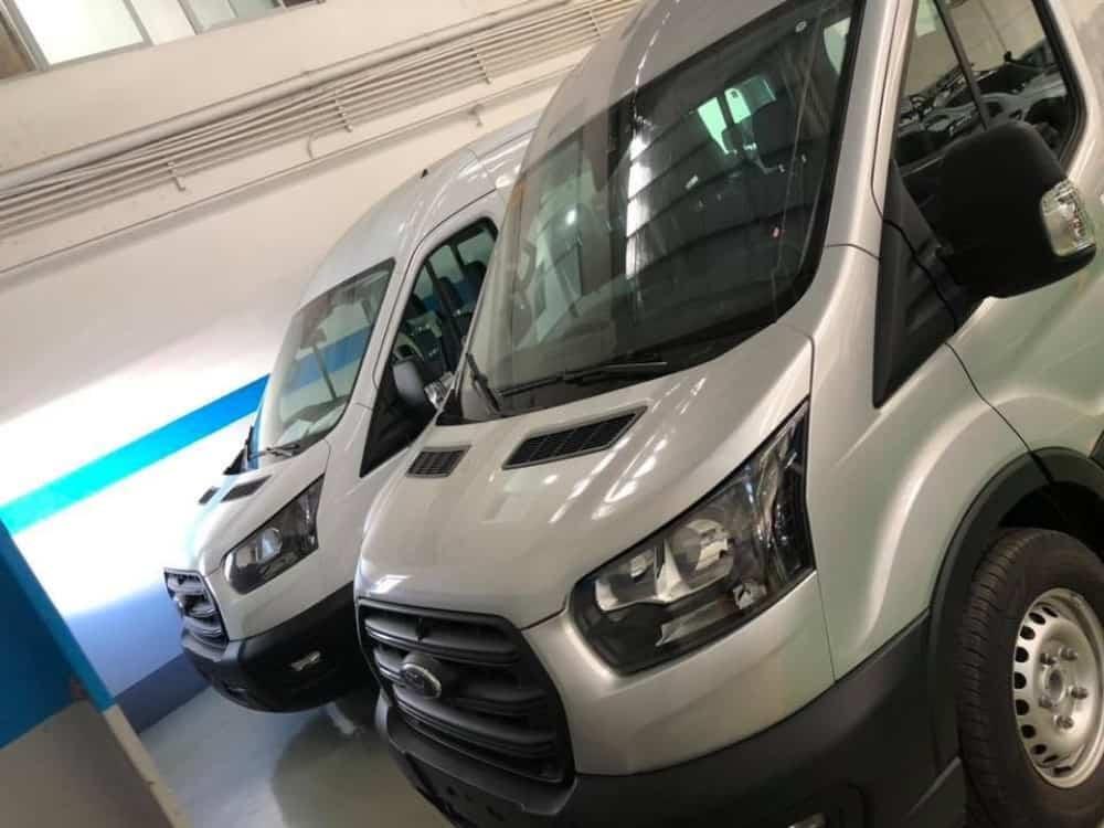 xe ford transit 2020 dau
