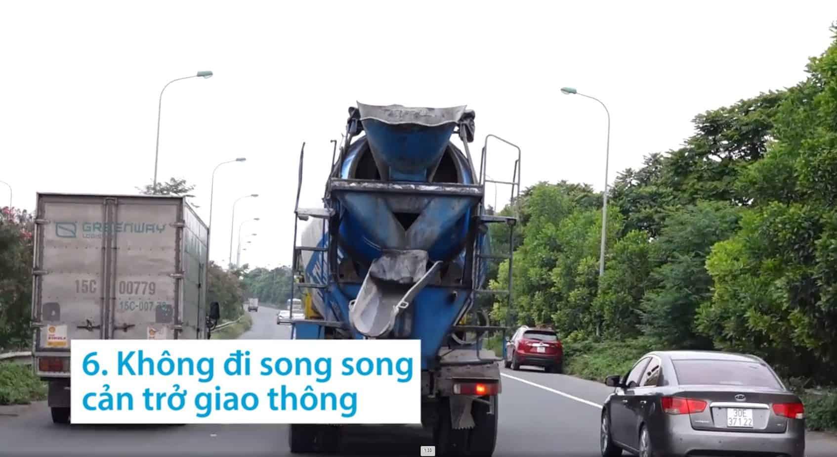khong di song song gay can tro giao thong duong bo