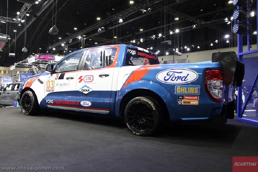 Xe đua Ford Ranger XL Street phiên bản độ Racing 2021 tại Thái Lan. 10