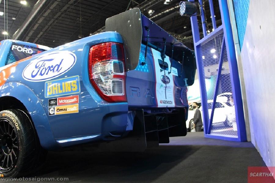 Xe đua Ford Ranger XL Street phiên bản độ Racing 2021 tại Thái Lan. 11