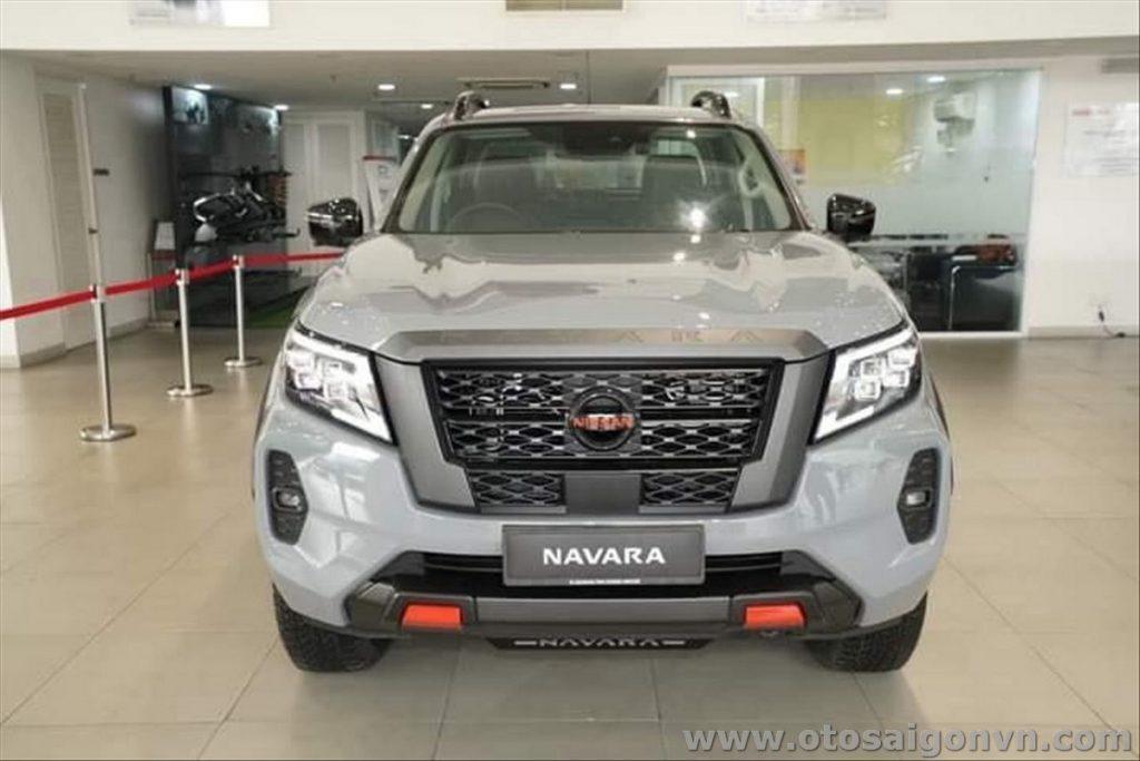 Các phiên bản Nissan Navara 2021, thông số từng phiên bản 9