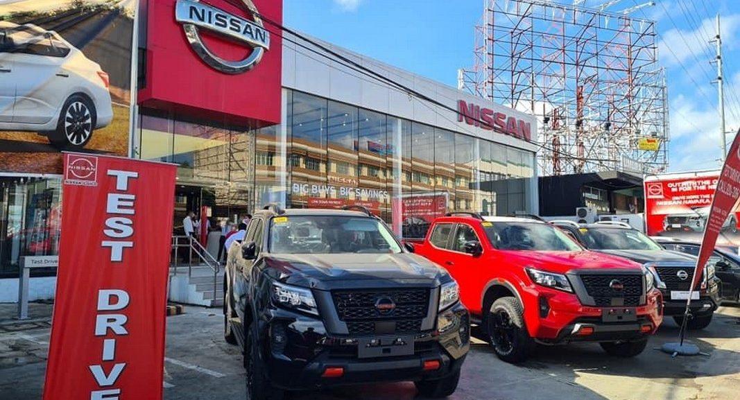 Các phiên bản Nissan Navara 2021, thông số từng phiên bản 1